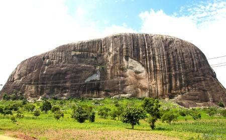 نيجيريا ، المعالم السياحية ، ولاية أوريجون ، يانكاري ، مركز ليكي للحفظ ، صخرة زوما ، اسو بارك