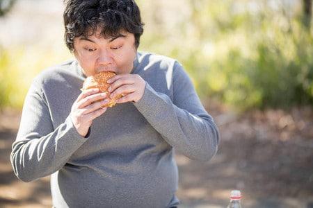 الكربوهيدرات، السمنة،زيادة الوزن،رجل،صورة
