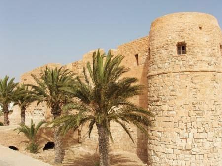 جربة التونسية ، تونس ، السياحة ، سيدي محرز ، ميدون ، جرجيس ، المتحف الشعبي