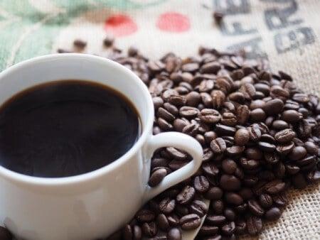 حرقة المعدة ، قهوة ، صورة ، إنتفاخ البطن