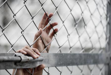 صورة , العنف ضد المرأة , السجن
