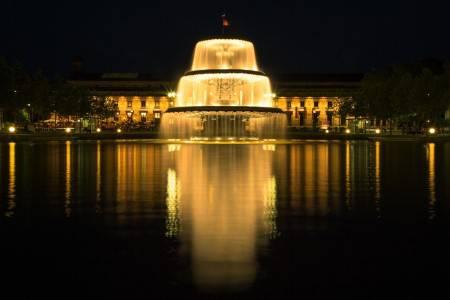 فيسبادن ، ألمانيا ، قصر بيبريش ، مسرح هيسيان ، قصر المدينة ، كنيسة القديسة إليزابيث ، منتزه كوربارك