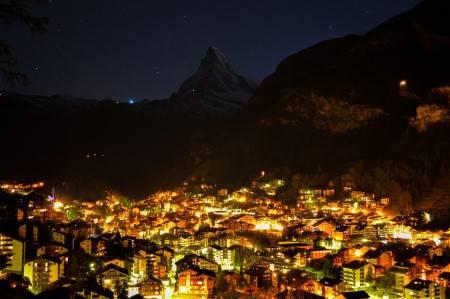 زيرمات ، سويسرا ، السياحة ، المشي ، التسوق ، ماترهورن ، مونترو