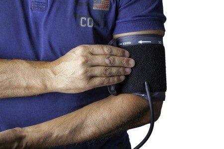 ضغط الدم ، الكوليسترول ، الثوم ، الثوم ، السمك ، مرضى السكري ، الكركديه