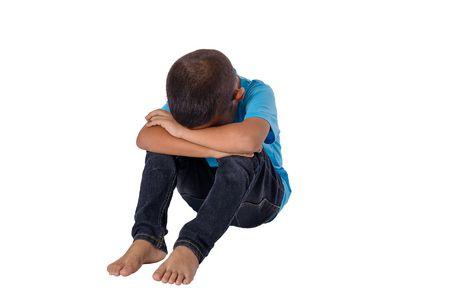 صورة , طفل حزين , الأبناء , التفرقة