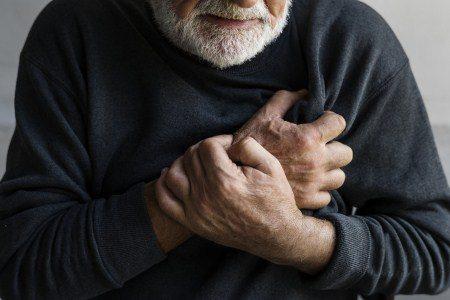 الجلطة القلبية ، الضغط ، الشرايين ، الكوليسترول ، التدخين ، المدخنين