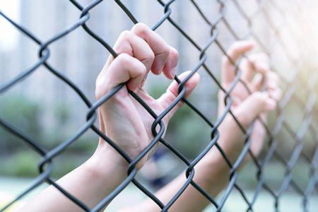صورة , الظلم , السجن