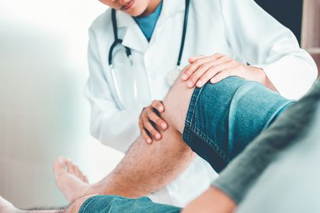صورة , طبيب , آلام الركبة , مفاصل الركبة