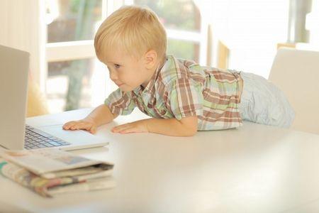 طفل , صغير , مراحل تطور الطفل , صورة
