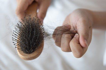 الشعر,تساقط الشعر,جفاف الشعر,فروة الرأس