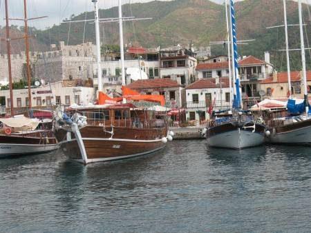 تركيا ، داليان ، ساحة الشباب ، مارماريس ، المارينا ، النوافير الراقصة ، الجبال