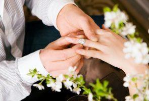 صورة , الزواج , الزوج , الهدايا , إسعاد الزوجة