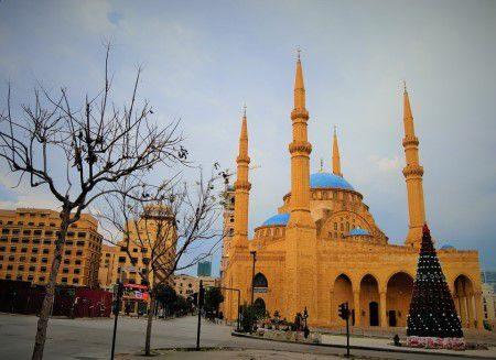 السياحة ، لبنان ، بيروت ، خليج زيتونة ، حي الروشة ، مسجد محمد الأمين ، وايفز أكوا بارك ، المطاعم ، المقاهي