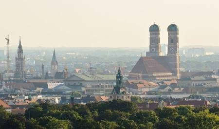 ميونخ ، ألمانيا ، المناطق الناشئة ، أولمبيا بارك ، بيناكوثيك دير ، كنيسة القديس بطرس