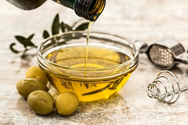 صورة زيت الزيتون، فوائد الزيتون