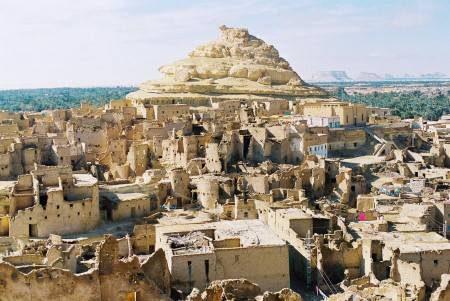 مصر ، السياحة العلاجية ، واحة سيوة ، الطبيعة الصحراوية ، حمام كيلوباترا ، شالي ، معبد آمون ، جبل الموتى ، التخييم