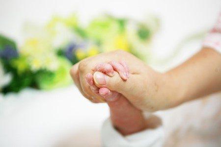 فترة الحمل ، البشرة ، الولادة ، جفاف الجلد ، الدوالي ، الغدة الدرقية ، تمدد الجلد