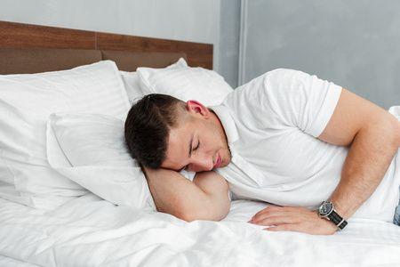 أسباب سيلان اللعاب , سيلان اللعاب أثناء النوم