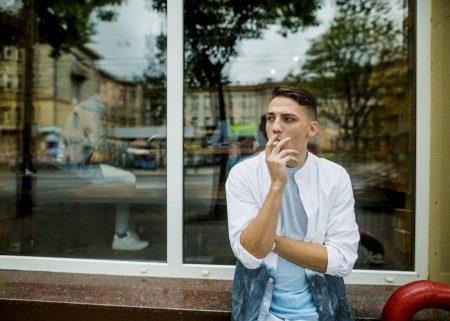 التدخين ، أضرار التدخين ، الام الظهر ، العمود الفقري
