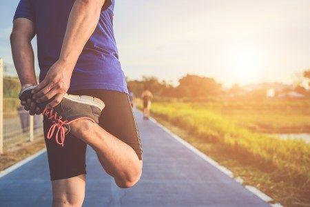 ممارسة الرياضة ، الجسم الرياضي ، الغذاء الصحي ، مرونة العضلات