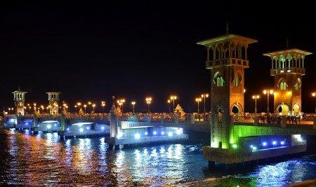 الإسكندرية ، عمود بومبي ، حدائق المنتزه ، قصر كليوباترا ، مصر ، متحف كفافي ، المرسي أبو العباس
