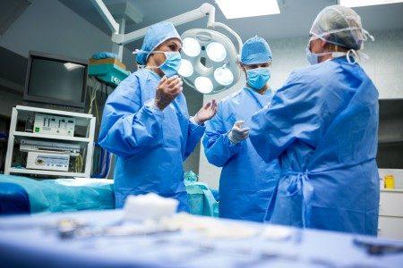 العمليات الجراحية ، الألم بعد الجراحة ، الألم الحاد ، الألم الطبيعي ، تسكين الألم