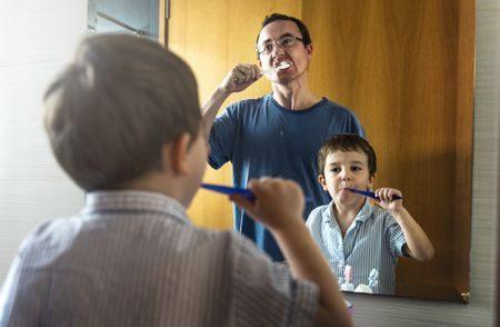 صورة , رجل , طفل , التهاب اللثة , تتفريش الأسنان