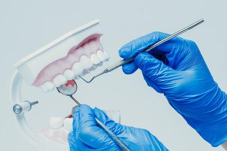 صورة , طبيب , الفيلر والبوتكس , طب الأسنان