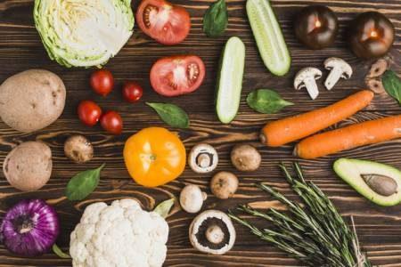 فيتامين E ، أمراض القلب ، السرطانات ، الجوز ، اللوز ، زيت عباد الشمس ، المكملات الغذائية