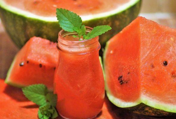 البطيخ،الماء،رطوبة الجسم،صورة